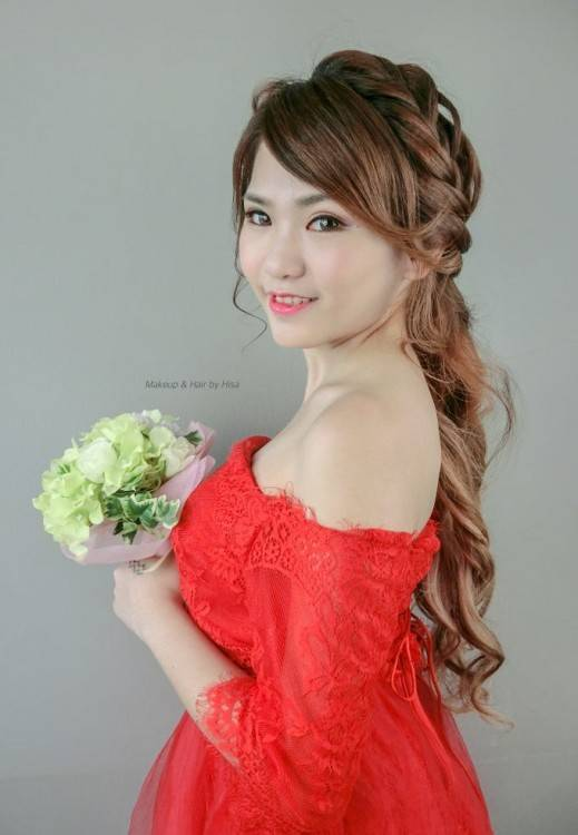 bride with fashion hairstyle