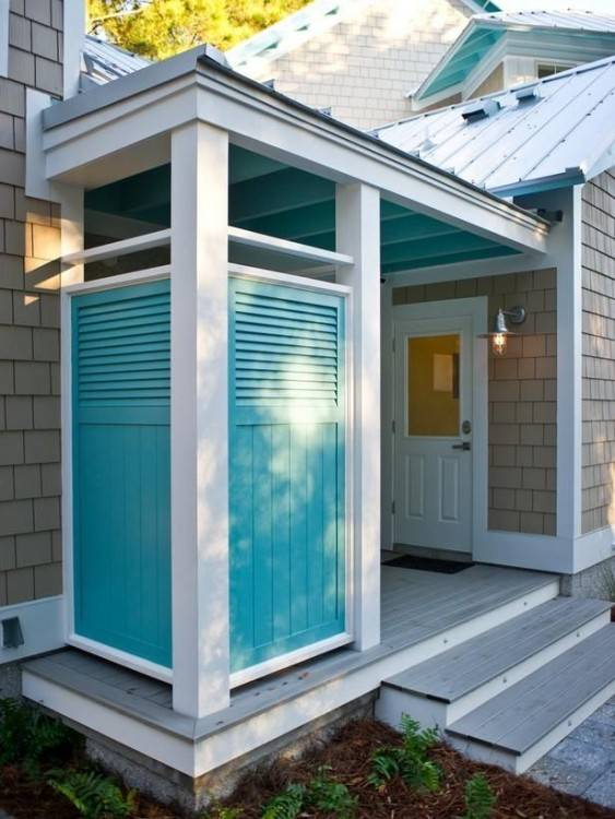 The outdoor shower would not work in my place, but the floor is an idea for the patio basin