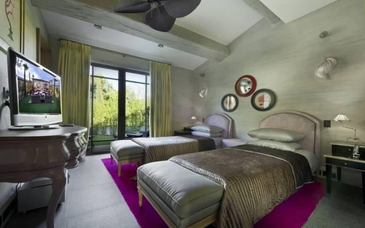 Sarah Santos · Jade Room
