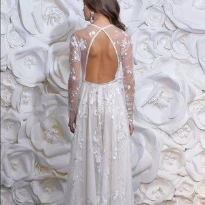 #creations #fashion #wedding #dress #white #gulf #groom