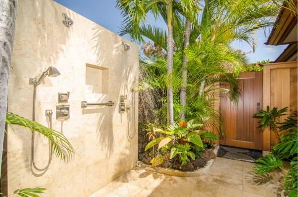 Outside Showers, Outdoor Showers, Outdoor Pool,  Outdoor Baths,