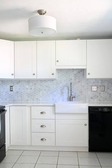 These are the best kitchen cabinet colors to choose from! Love all the variations to make a unique look to your kitchen
