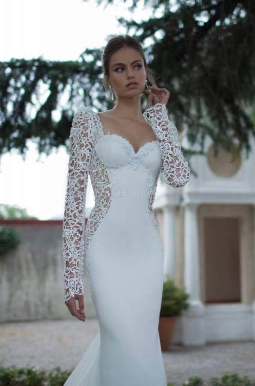 Notice the spectacular mermaid wedding dresses